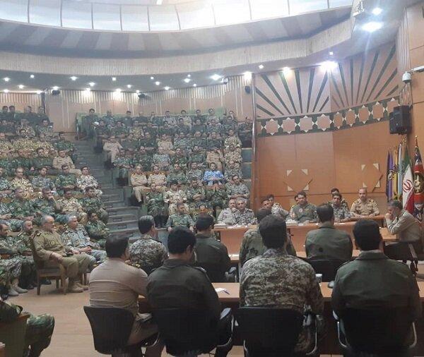 جلسه هم اندیشی دانشجویان دافوس ارتش برگزار گردید