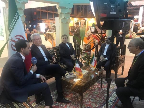 دعوت مونسان از خبرنگاران خارجی برای بازدید از جاذبه های گردشگری ایران