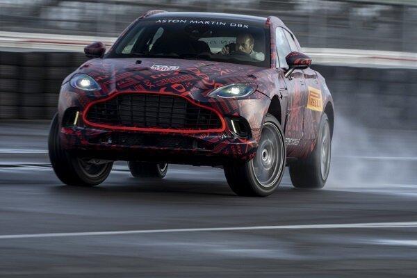 رونمایی استون مارتین از خودروی قدرتمند شاسی بلند